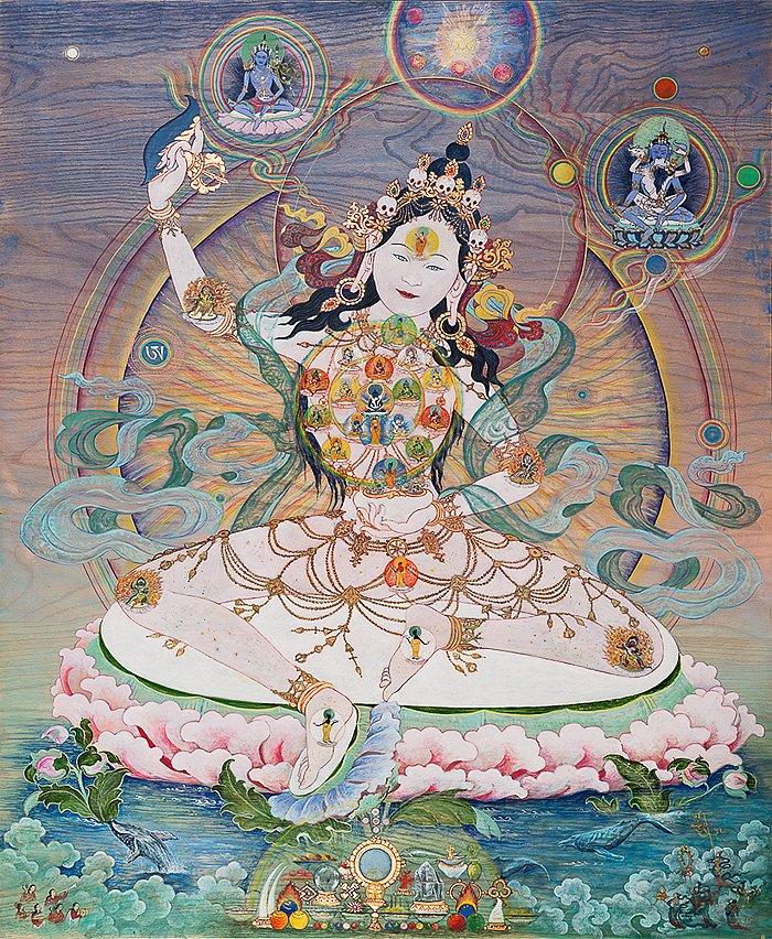 Jnanadakini    : mit innerem Mandala Acryl, Gouache , Blattgold auf Eschenholz 84/102 cm